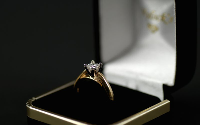 Stock picture of a engagement ring with a diamond